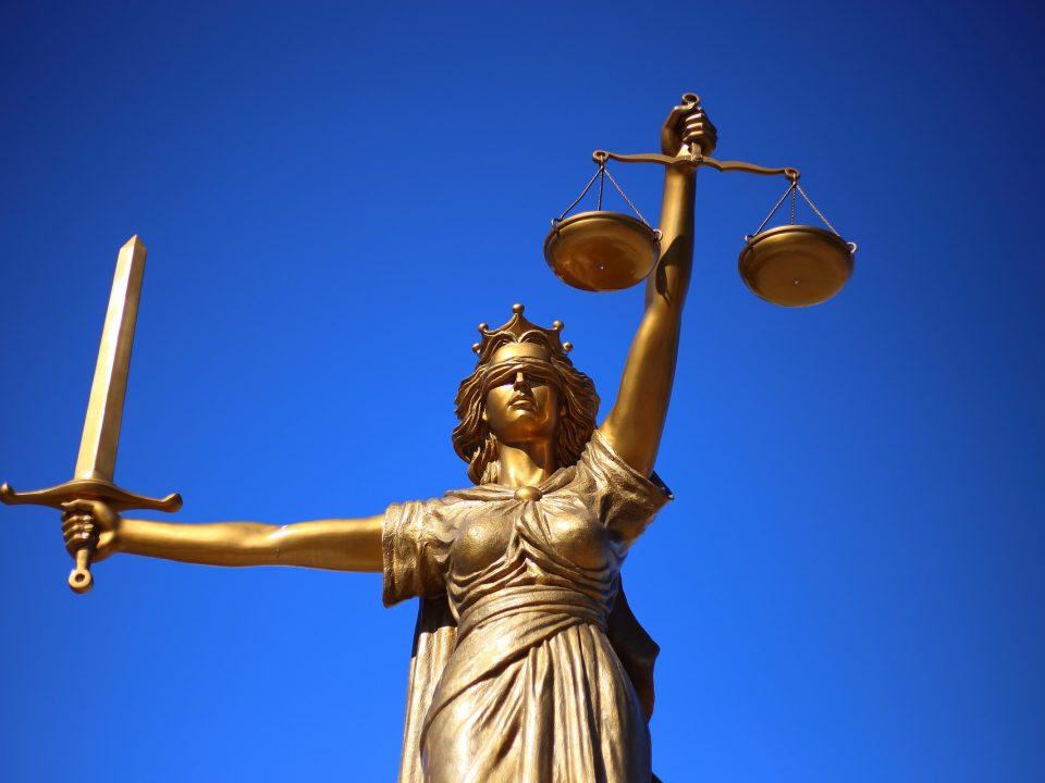 jak wybrać adwokata do sprawy karnej